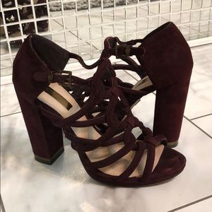 BCBG MaxAzria Burgundy velvet heels 😍